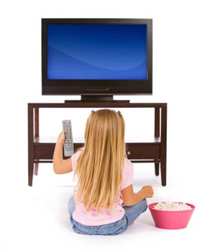 girl_watching_tv_400