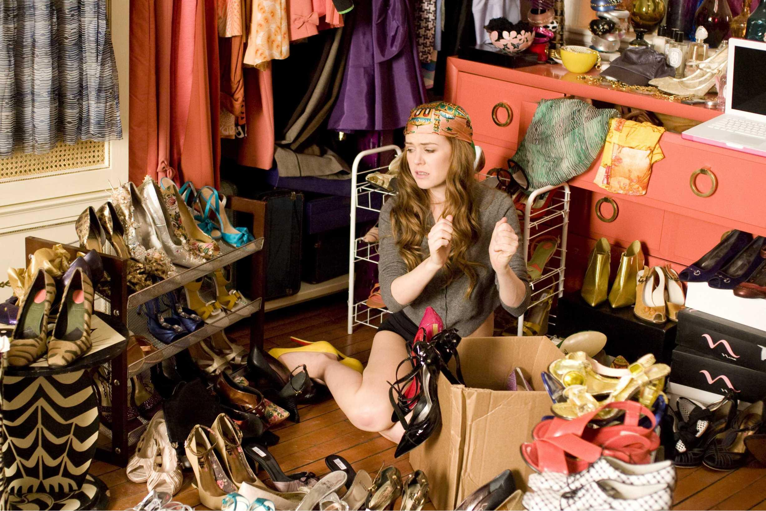 confessions of a shopaholic messy closet needs organizing
